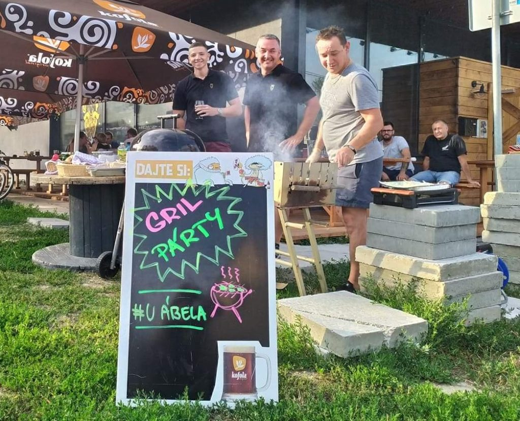 Grilovačka BBQ v Pivovare U Ábela Craft beer and BBQ